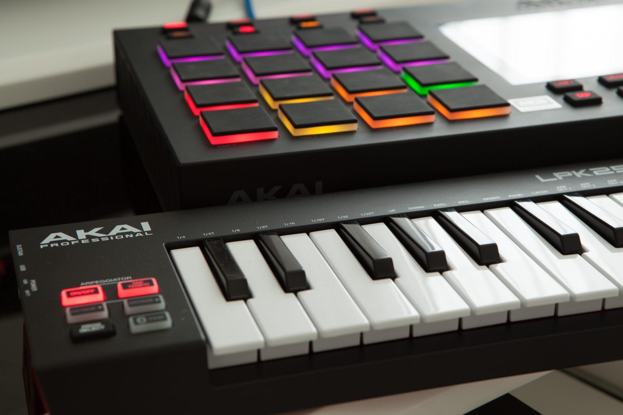 Musikproduktion, Midikeyboard, Drumpads, STRAINX