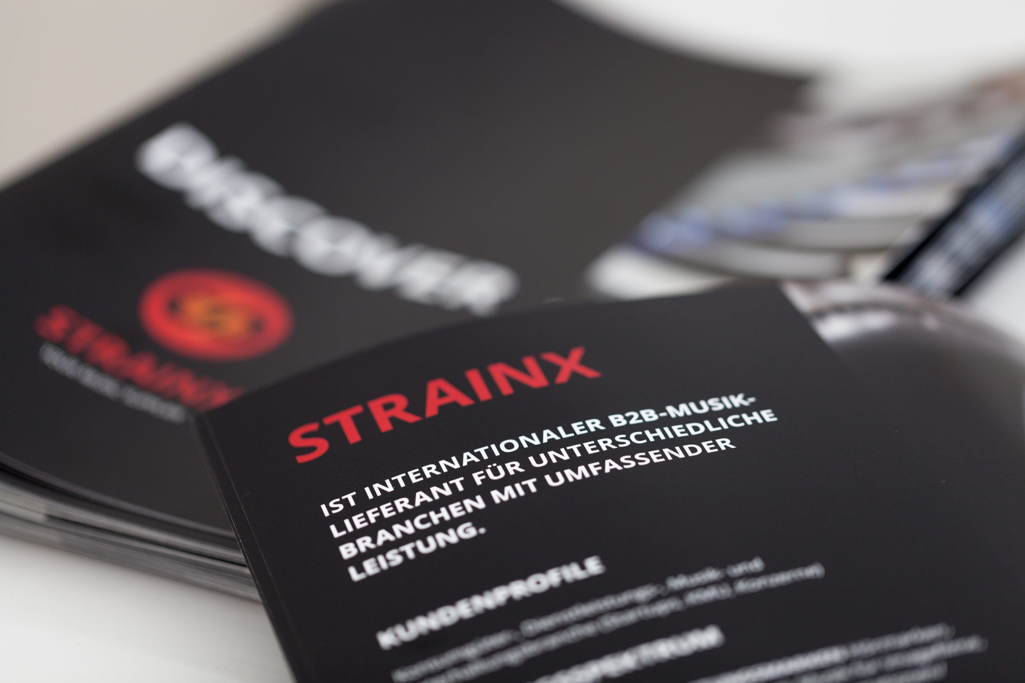 Ghostwriting / Ghostproducing, STRAINX Flyer, STRAINX